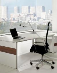ASSMANN Büromöbel - TriASS Schreibtischsystem