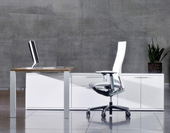 Schreibtisch Leuwico iONE mit Lowboard | Pape+Rohde - Büroeinrichtungen