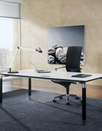 ASSMANN Büromöbel - Antaro Schreibtischsystem