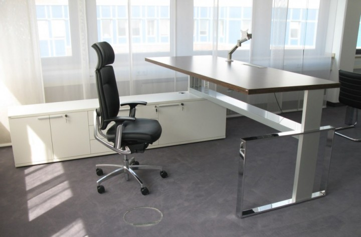 Höhenverstellbarer Schreibtisch Leuwico imove-F | Pape+Rohde ...