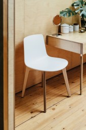 ENEA Lottus Wood Chair mit Sitz aus Polypropylen