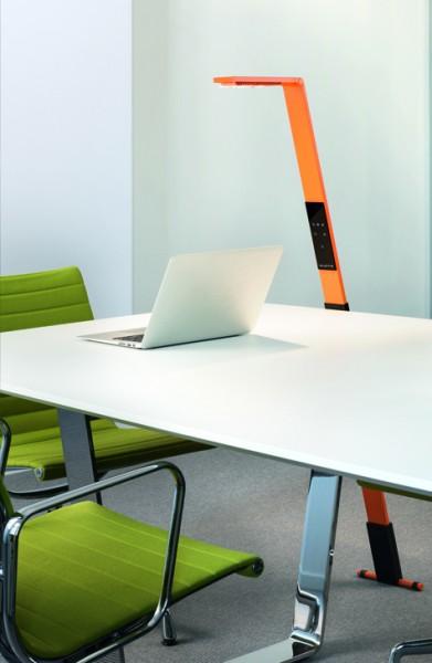 luctra flex mobile led stehlampe mit biologischem licht. Black Bedroom Furniture Sets. Home Design Ideas