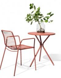 MSM VIA – Outdoor Tisch im modernen Design / Geeignet für Außen- und Innenbereiche